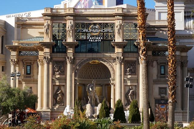 30 Ways To Enjoy Vegas That Doesn't Include Gambling