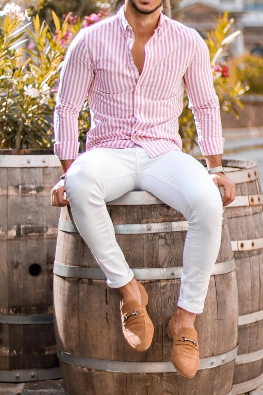 White jeans with stripes shirt