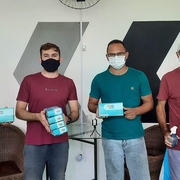 AAIEC em parceria com a Vigilância Sanitária distribuíram máscaras de proteção facial aos desportistas de Caraúbas