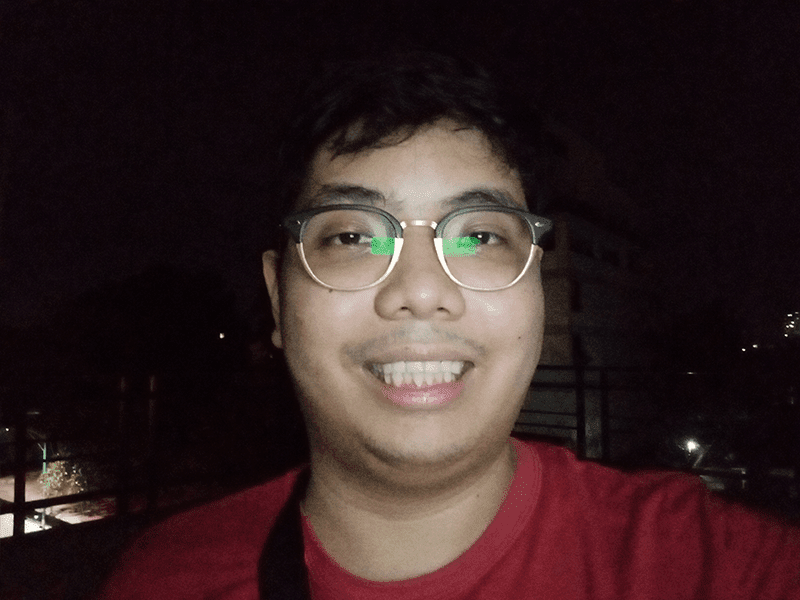 OPPO A5s selfie low light with flash
