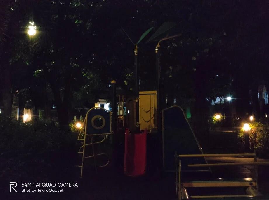 realme X3 SuperZoom Camera Sample - Playground, Night, Zoom 5x