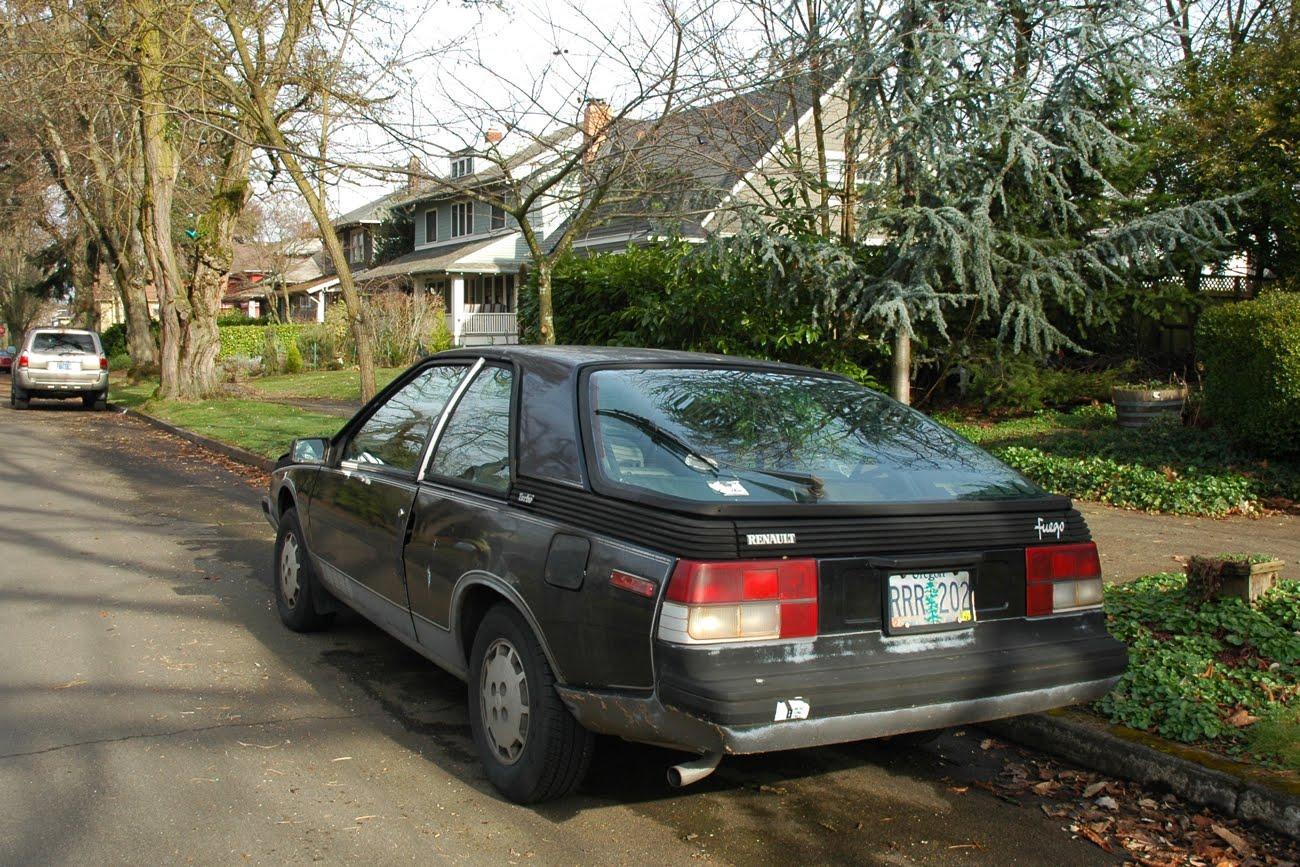 old parked cars sunday bonus 1983 renault fuego turbo revisited. Black Bedroom Furniture Sets. Home Design Ideas