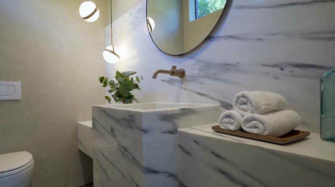 53 Interior Design Photos vs. 3924 Sapphire Dr, Encino, CA Home Tour