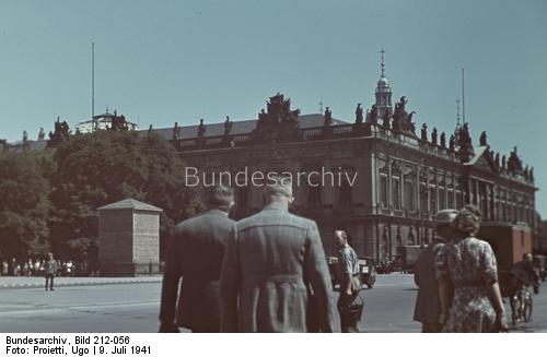 Berlin, Unter den Linden, 9 July 1941 worldwartwo.filminspector.com