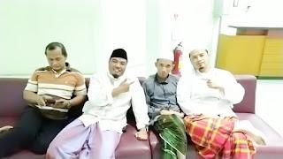 donwload artikel kajian tulisan ayah cerita ayah puasa ibadah puasa karakter muttaqin predikat iman berbagi shalt