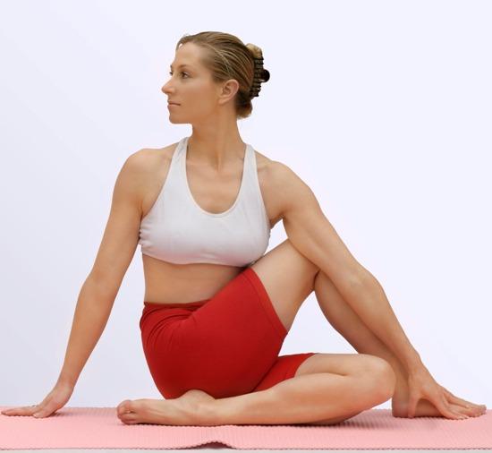 7. Torção da coluna vertebral sentado