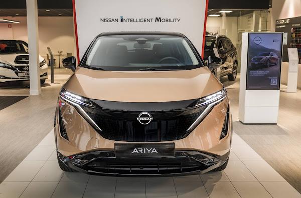 Novo logo da Nissan estreia na Europa com o Ariya