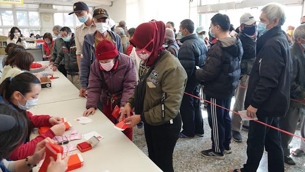 鹿港鎮公所冬令慰問關懷 363家低收入戶受惠