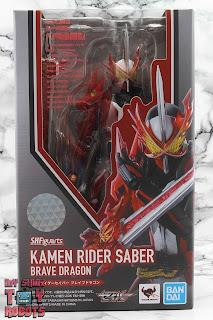 S.H. Figuarts Kamen Rider Saber Brave Dragon Box 01