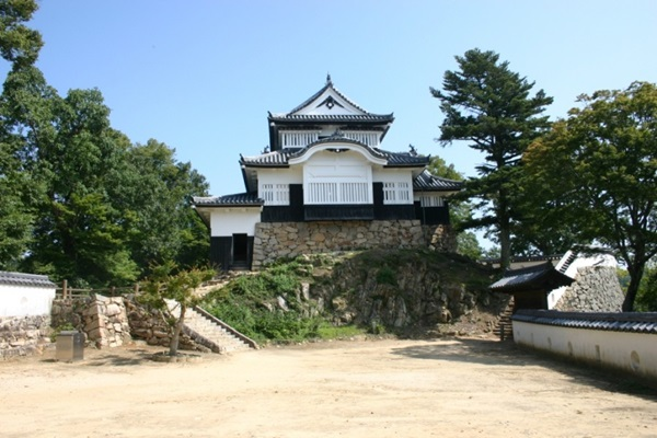 ปราสาทบิตชู มัตสึยามะ (Bitchu Matsuyama Castle: 備中松山城)
