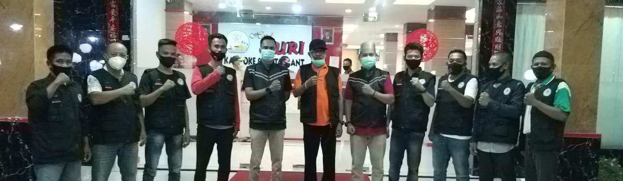 Yayasan Vioni Bersaudara di Riau Serahkan Bantuan Buat Relawan Covid 19