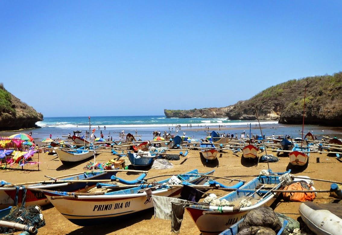 Pantai Baron Gunungkidul Yogyakarta