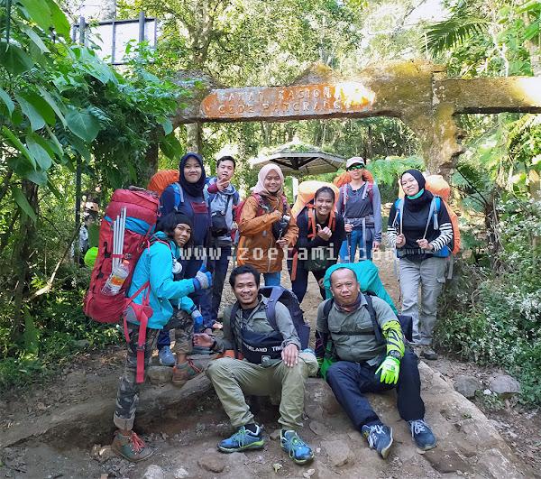 Pendakian Gunung Gede di Masa Adaptasi Kebiasaan Baru