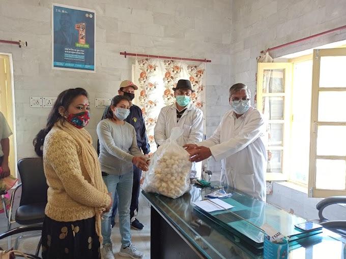 पौड़ी में मशरूम गर्ल के नाम से विख्यात सोनी बिष्ट कर रही कोरोना योद्धाओं के लिए अनोखा काम-देखें पूरी खबर
