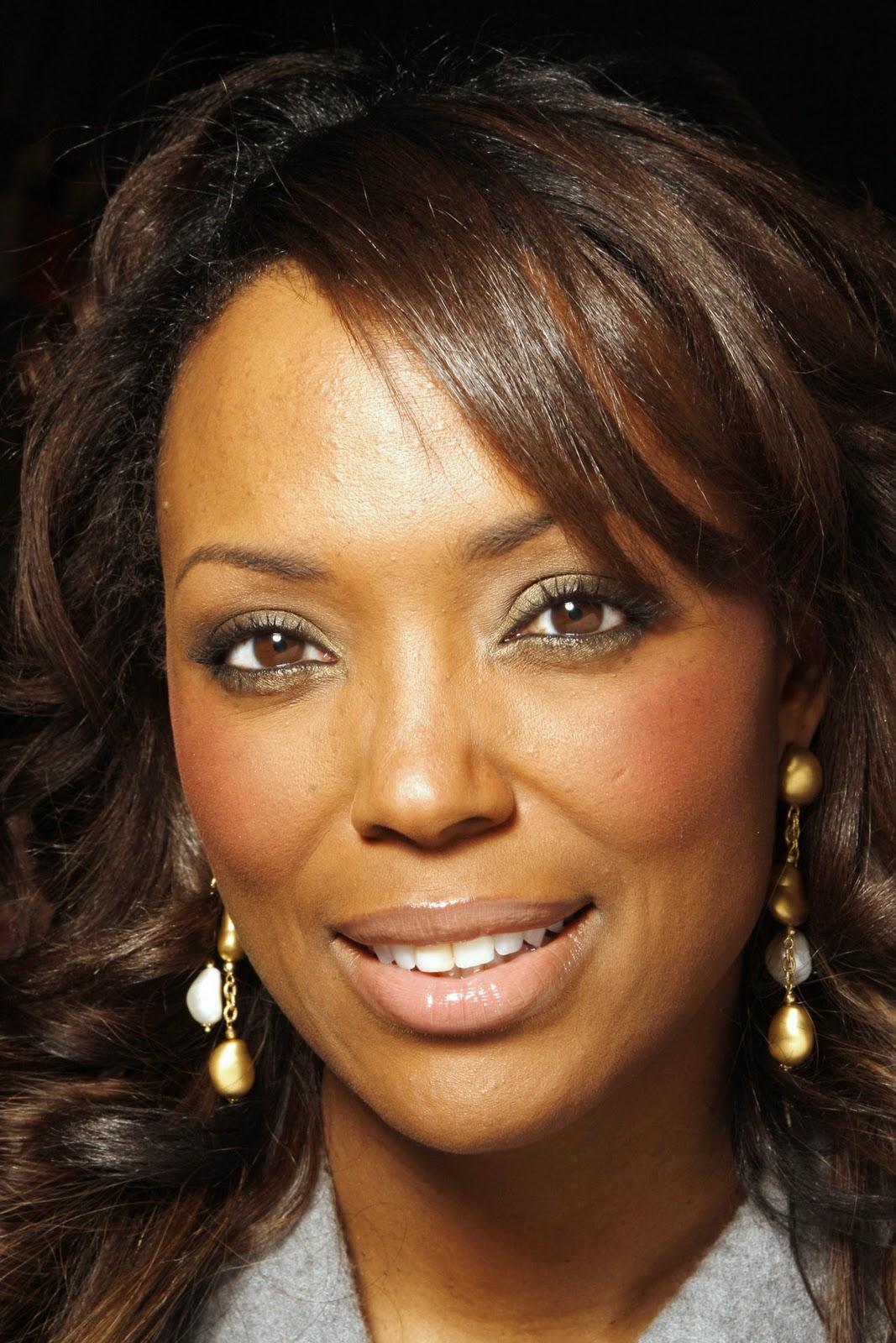 Celebrities Directory: Aisha Tyler