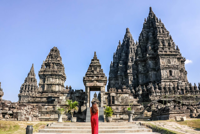Nét cổ kính âm trầm của những ngôi đền nghìn năm tuổi là điều làm nên sức hút đặc biệt cho thành phố này. Trong đó, không thể không nhắc tới Prambanan - ngôi đền Hindu tráng lệ, nguy nga nhất đất nước vạn đảo.
