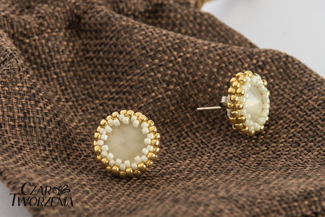 oplecione rivioli kryształek białe mleczne kolczyki handmade