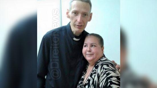 mulher processou padre marcelo plagio direito