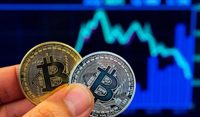 Bitcoin fell by 10% Retreating From Record Highs