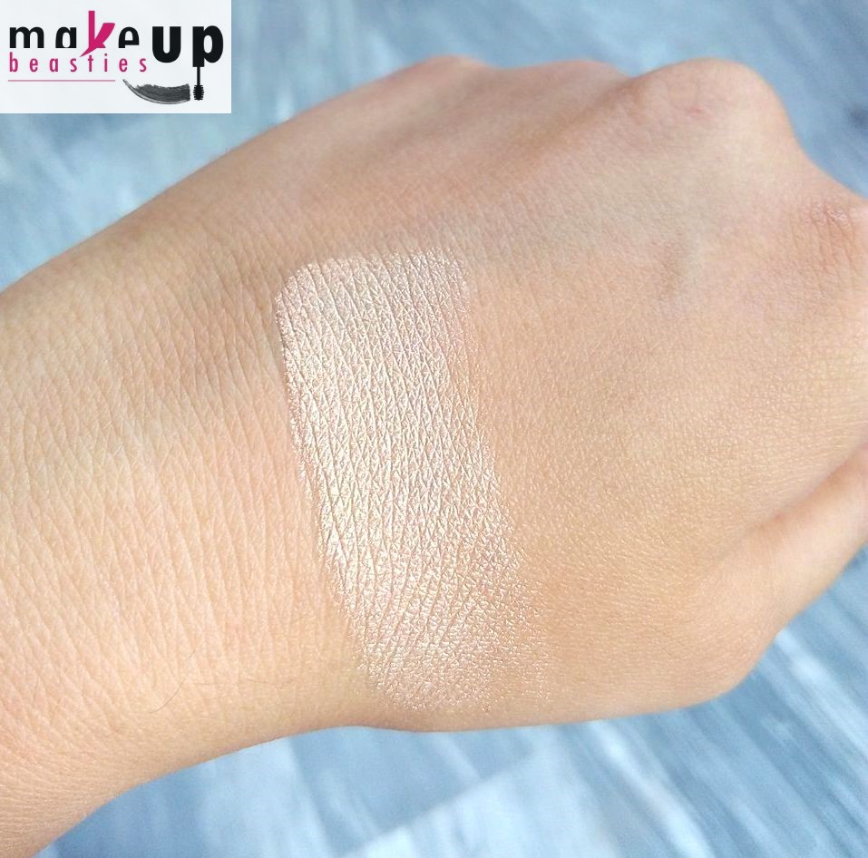 Mary Lou Manizer by theBalm #12