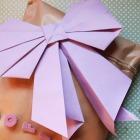 http://cosaspitipitosas.blogspot.com.es/2016/04/empqtdbonito-abril-lazos-origami.html