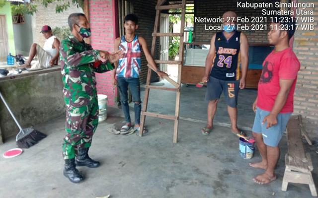 Penegakan Disiplin Protokol Kesehatan Dilaksanakan Personel Jajaran Kodim 0207/Simalungun Serta Bagikan Masker Pada Masyarakat