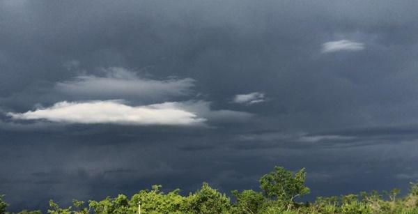 Defesa Civil e Inmet emitem alerta de temporal com ventos, para os próximos dias em Pouso Alegre