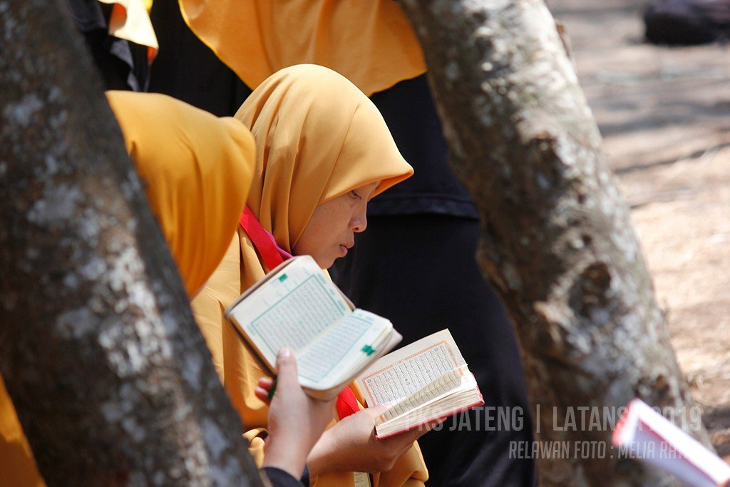 PKS: Jangan Menyeret Polisi untuk Awasi Masjid