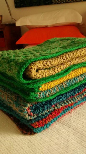 dos agujas manta coloridas - Mantas a dos agujas... ideal como manta o pie de cama