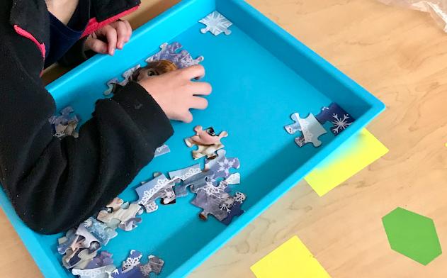 trays, jigsaw puzzles