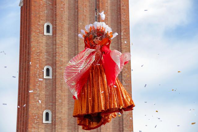 Benátský karneval 2021. Termín a program, let anděla