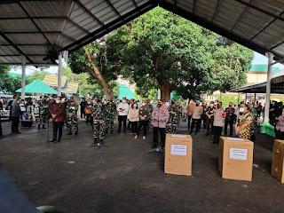 Panglima TNI dan KapolriTinjau Pelaksanaan Isolasi Terintegrasi (Isoter) di Asrama Haji Sudiang Makassar.