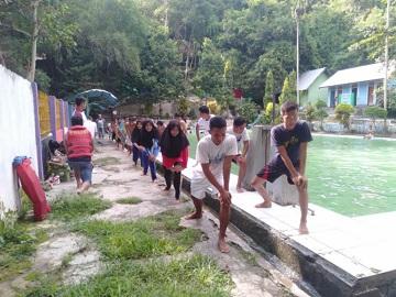 Kolam Renang Mada Prama Di Tengah Hijaunya Hutang Lindung