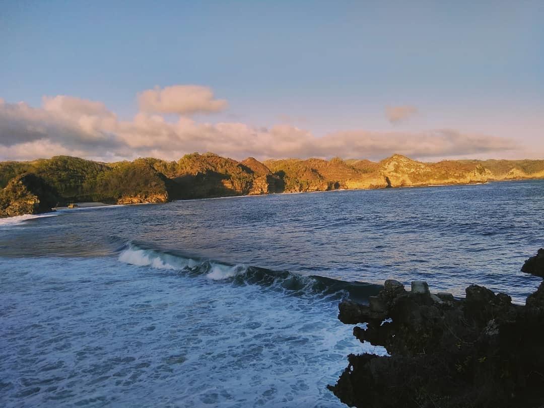 Gambar Pantai Srau