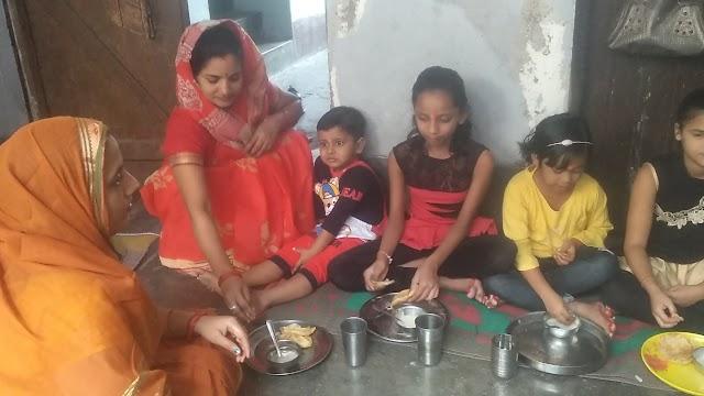 नवरात्रि का षष्ठम दिवस----*    *सुख समृद्धि के लिए मां कात्यायनी की पूजा अर्चना कर कराया कन्या भोज*