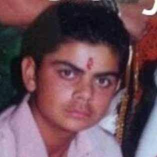 Indian Cricketer Virat Kohli Childhood Photos - MERE PIX