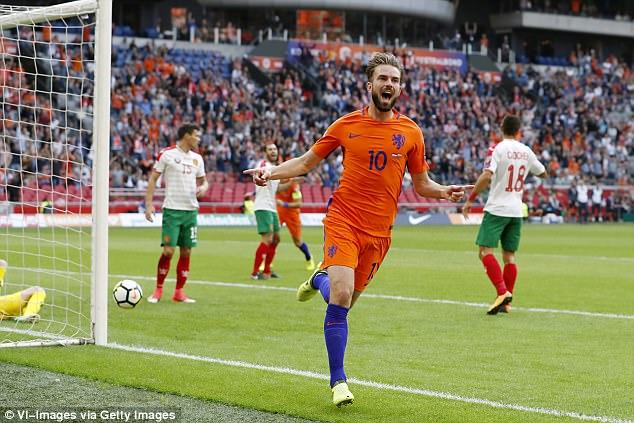 Hà Lan 3-1 Bulgaria: Níu hy vọng tới cùng