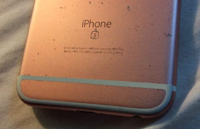 Các bạn nên thay vỏ mới cho điện thoại iphone 6 khi bị trầy xước vì trông rất mất thẩm mỹ.