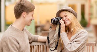 5 Hal Gila yang Sering Dilakukan Orang saat Jatuh Cinta