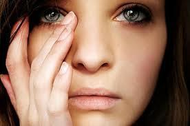 Resultado de imagem para Saiba por que as mulheres são mais sensíveis que os homens