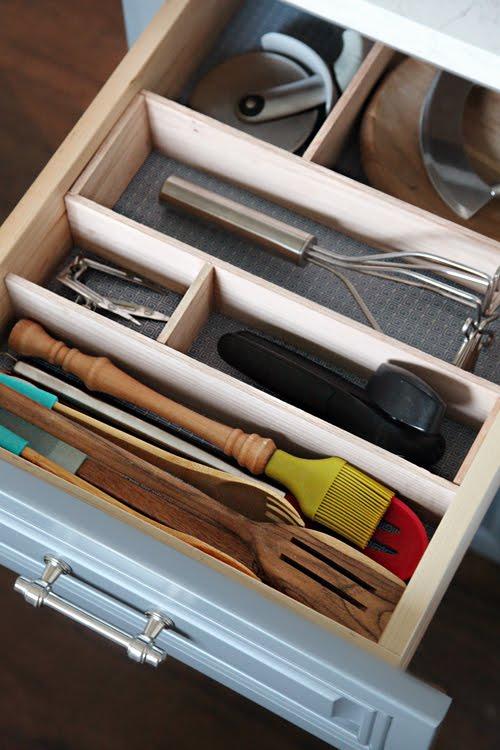 6 ideas para ordenar tus cajones que te enamorar n for Organizar cajones cocina