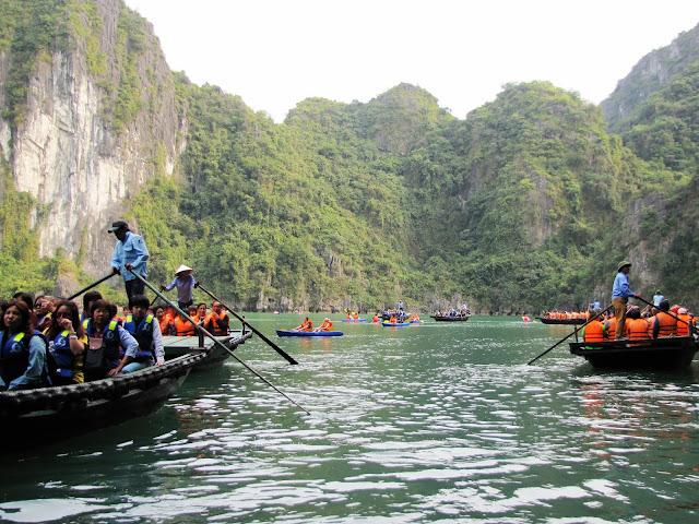 lagoon luon cave halong bay vietnam