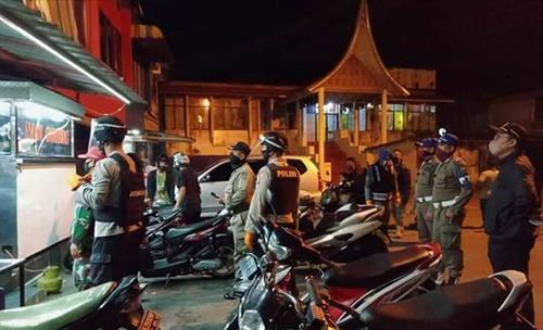Tim Gabungan Satpol PP Lakukan Patroli Rutin