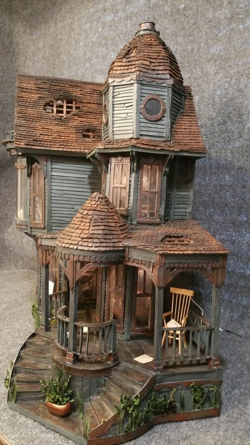 02-Profile-of-the-house-Greggs-www-designstack-co