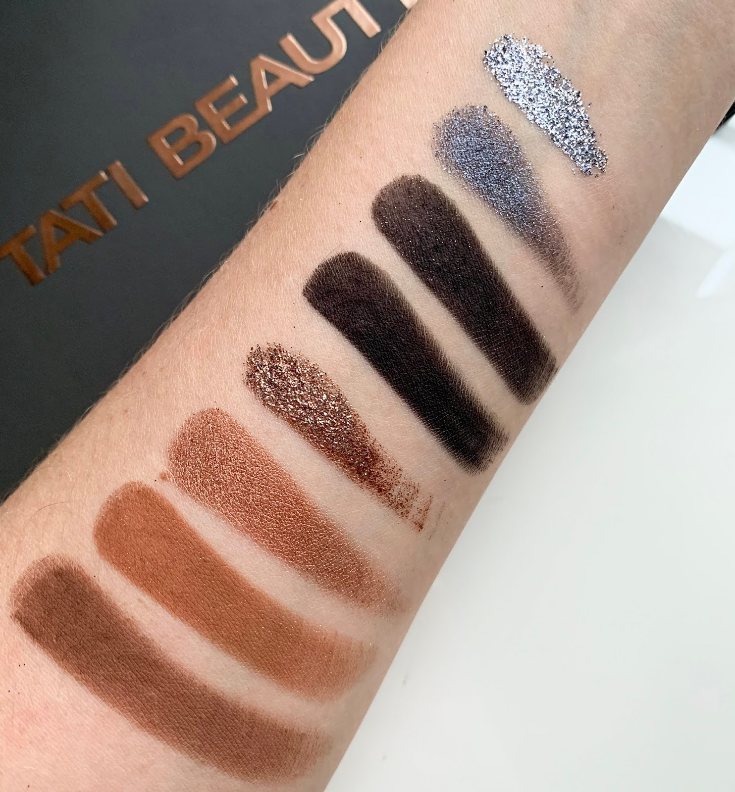 Tati-beauty-palette-swatches