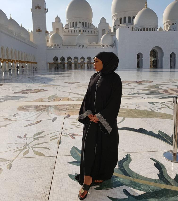 Rita Dominic Visit To Sheik Zayed Grand Mosque In Abu Dhabi