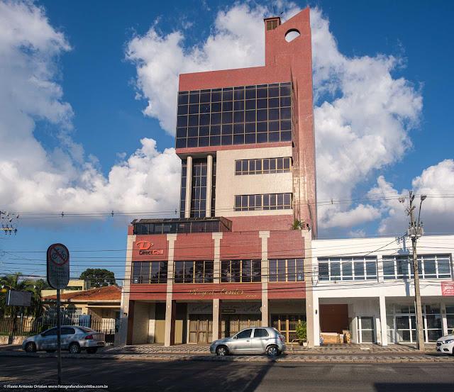 Edifício Royal Center na Av. Paraná, em Curitiba
