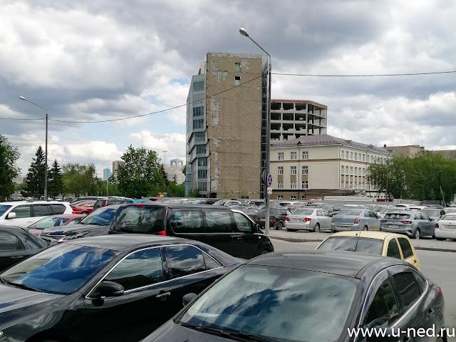 Парковка Екатеринбурга во время карантина