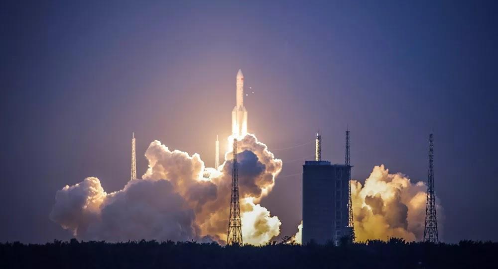 أول تعليق من الخارجية الصينية بشأن الصاروخ التائه