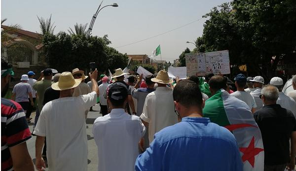 أوفياء الحراك الشعبي يواصلون النزول للشارع بالشلف